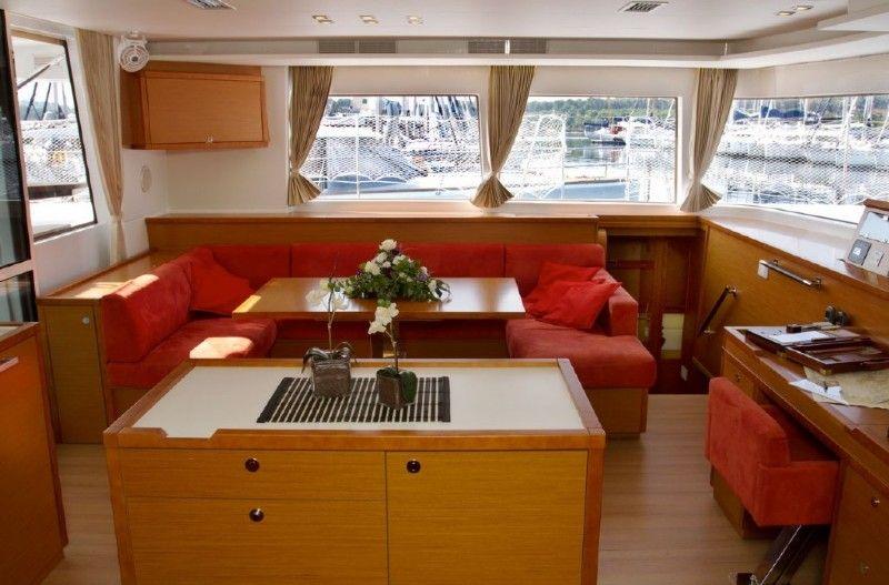 Lagoon 560 sailing