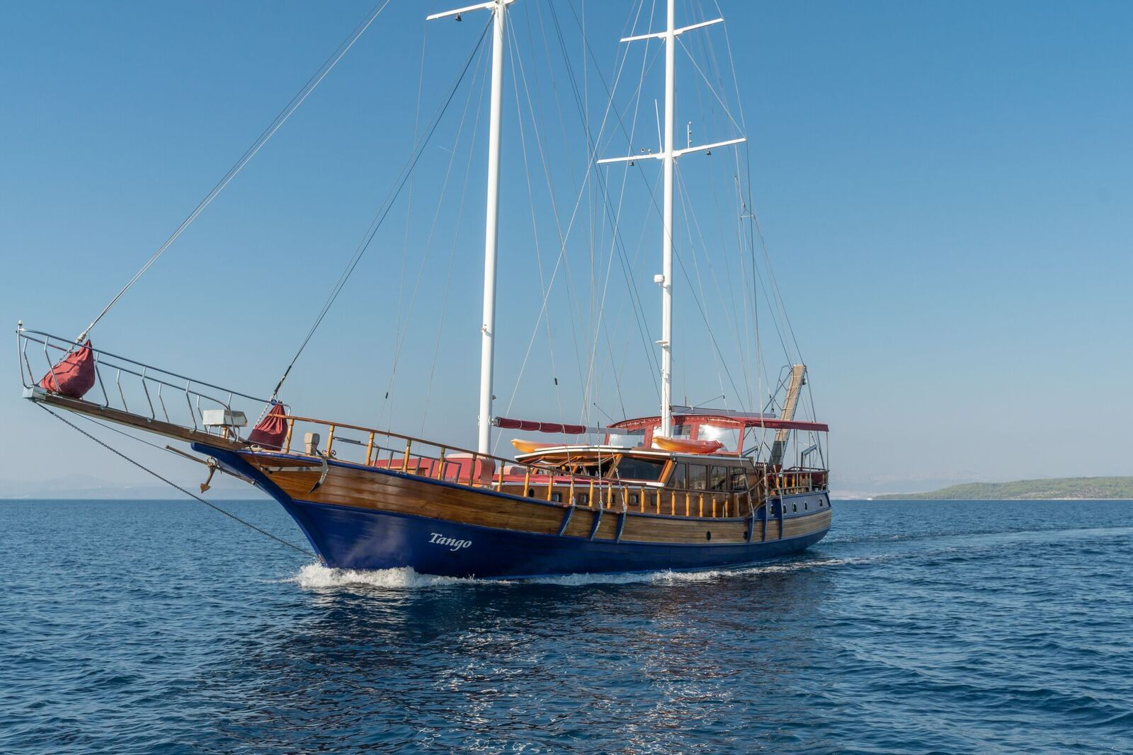 Gulet Tango Holiday Charter, Croatia Sailing