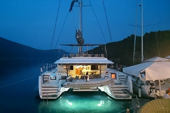 Luxury boats Yachting
