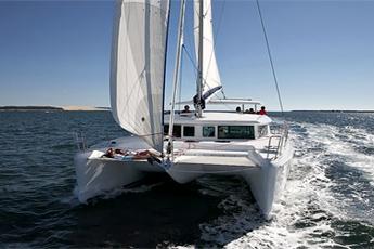 Katamarani Yachting
