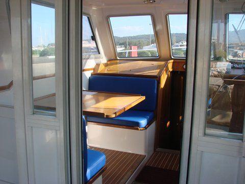 Adria 1002 sailing