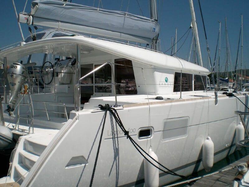 Lagoon 400 S2 charter