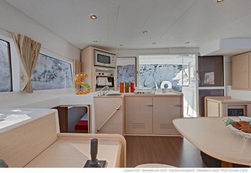 Lagoon 400 S2 charter price