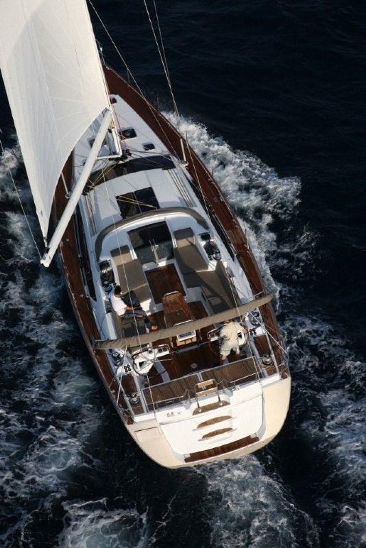 Jeanneau 57 sail